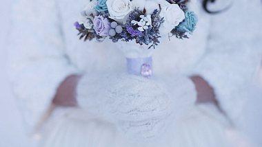 Winterhochzeit-Deko: So wird deine Trauung ein Wintermärchen - Foto: iStock/ AlekZotoff