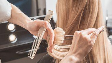 Wolf Cut: Mit dieser wilden Trend-Frisur hat niemand gerechnet, doch jeder will sie! - Foto: iStock/AnSyvanych